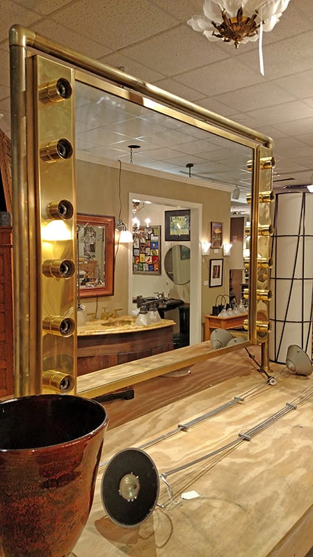 Theatrical Mirror Full Picture